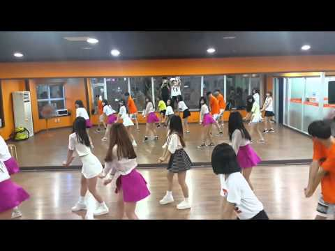 천안댄스학원 fun dance k-pop class pm 7:30 girlsday - darling