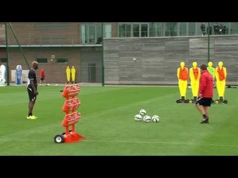 A 'magnifico' free-kick by Mario Balotelli