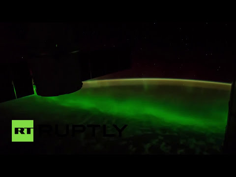 La espectacular aurora boreal vista desde el espacio [Video time-lapse]