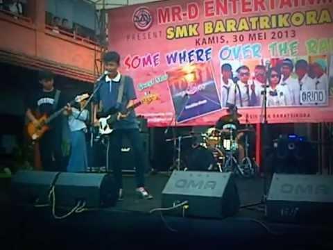 PATRICK OR SPONGEBOB - SENDIRI LIVE @SMK BAHARA TRIKORA