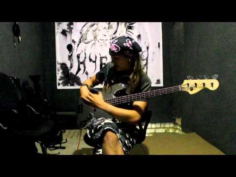 Уроки на бас гитаре - видео