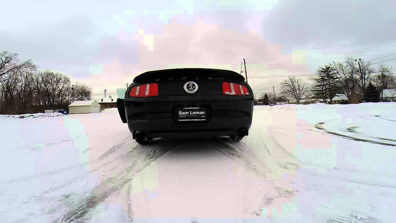 Gt500 Mustang 2015 >> Donuts in the snow 2015 Ford Mustang Shelby GT500 burn out 2015 exhaust - YouTube