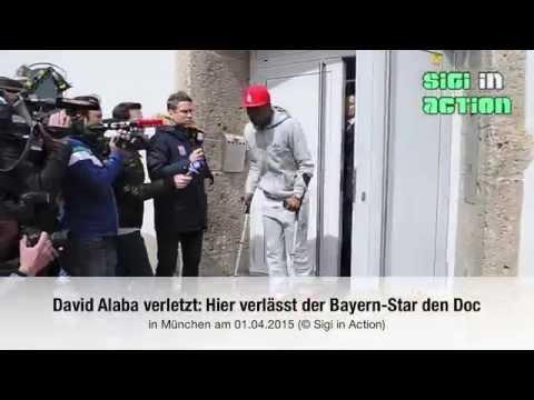 David Alaba verletzt: Hier verlässt der Bayern-Star auf Krücken den Doc