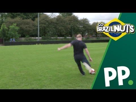 Watch Paul Scholes hit some noisy Italian fans