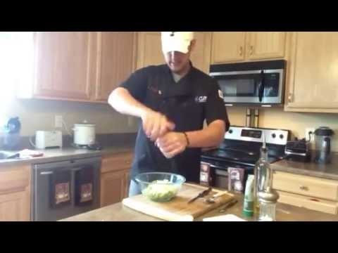 CUTCO Mike [How to make fresh guacamole recipe]
