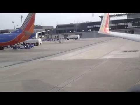 *Classic* Southwest Airlines 737-700 Takeoff MSY