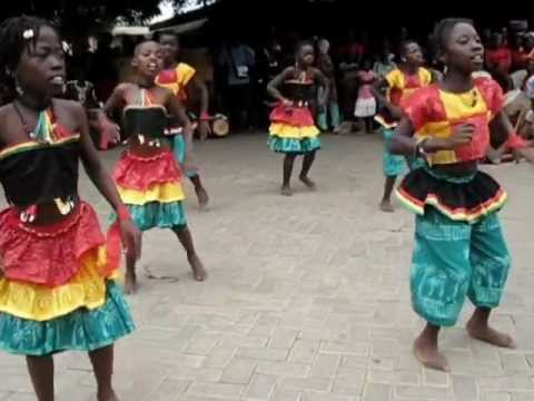 Ghanaian children for President Mills - African dance.wmv