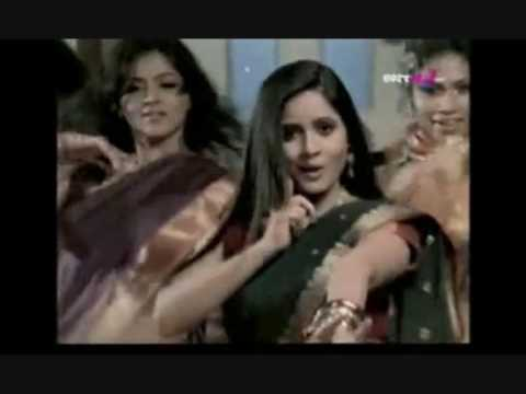 Miss Pooja Song (kise De Naal Pyar) 2009 video