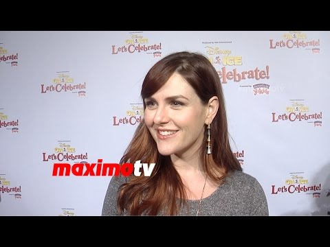 Sara Rue Interview | Disney on Ice Let's Celebrate! Premiere | Red Carpet