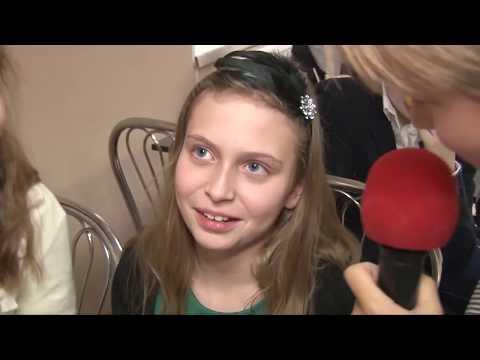 Выпускной фильм 4Б класса школы Герцена (Санкт-Петербург), подготовленный к выпускному празднику.