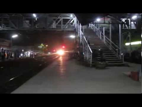 Sparking Hwh Wap-7 With Devastating Black Diamond Superfast Express Tears Past Konnagar video