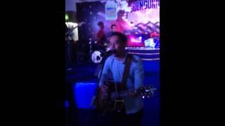 Saat Kau Tak Di Sini Live Acoustic - Pongki Barata