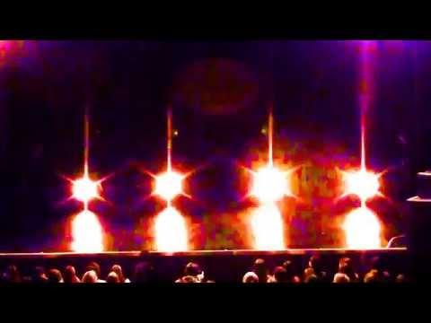 Amazing Tron Dance Ребята Танцуют в Светодеодных костюмах