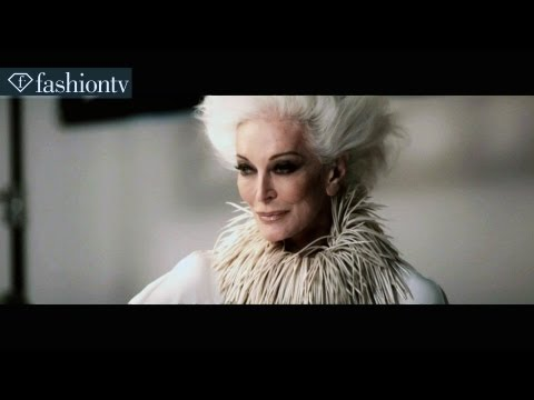 Capturing A Legend By Moda's Touch | Fashiontv video