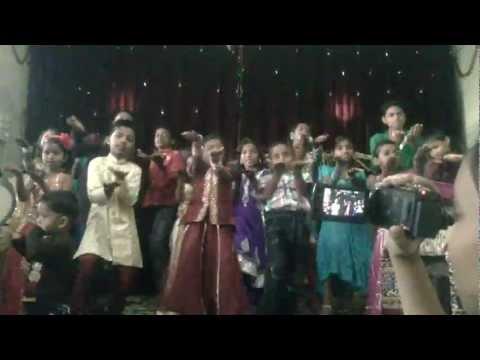 Yeshu Muje Pyar Karta Hai-juan And Friends video