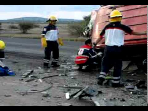 ACCIDENTE POR ALCOHOL CARRETERA SAN LUIS DE LA PAZ-DOLORES HIDALGO