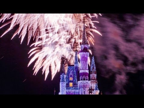 ♥♥ The 2016 Walt Disney World Christmas Holiday Wishes Fireworks Show (in HD)