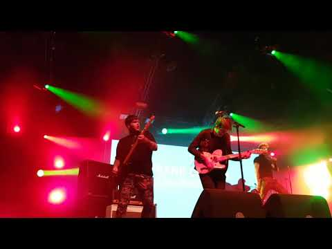 Frank Carter & the Rattlesnakes - Devil inside Live Lowlands 19-08-2017