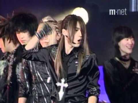 Download Magic Castle + The Way U Are + Tri-Angle - DBSK Mnet Yepp Concert 20041217 Mp4 baru