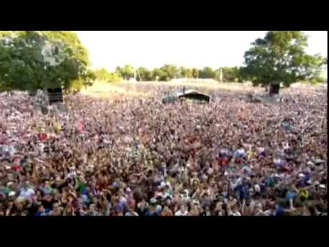 The Ting Tings - Shut Up And Let Me Go (Live at V Festival 2009) [22/08]