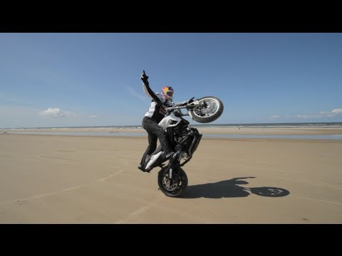Sport Bike stunt riding on sand - Chris Pfeiffer 2012