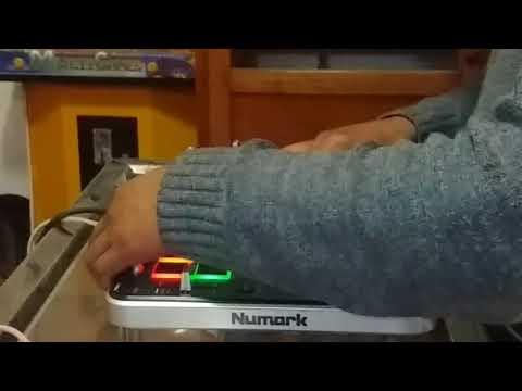 DJ Peluche Carua - NUMARK MIXTRACK QUAD (DEMOSTRACION con Virtual DJ 8.2)
