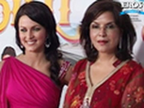 Stunning Pair Of Zeenat Aman And Yana Gupta Grace Chalo Dilli Premier
