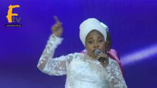 TOPE ALABI SCATTERD THE FLOOR WITH WORSHIP PRAISE SONG