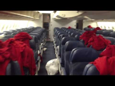 Delta Airlines Boeing 777-200 walk through