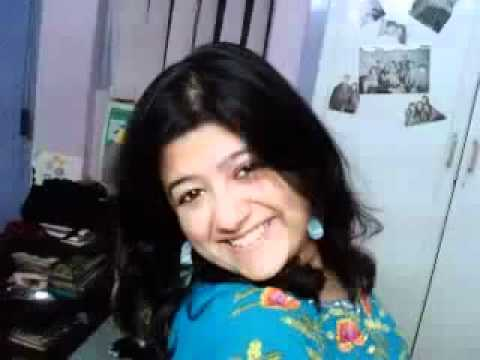 Karachi Mohajir Girl Sexy Talk On The Phone video
