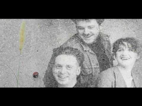 Cocteau Twins - Suckling The Mender