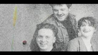 Watch Cocteau Twins Suckling The Mender video