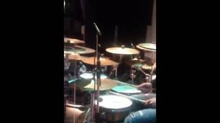 Watch Juanita Bynum Break Forth Praise video