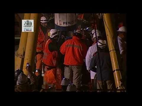 first miner rescued  florencio avalos rescate mineros chile mine rescue san josé copiapo 2010 HD
