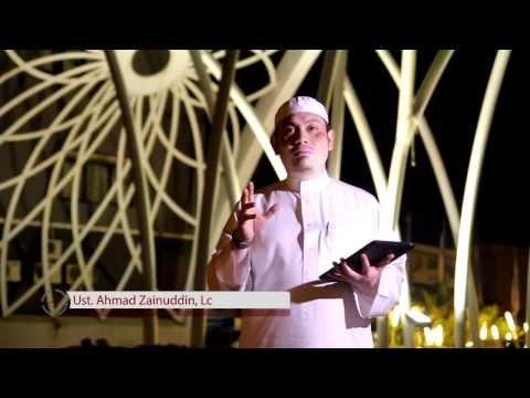 Ceramah Singkat : Larangan Menyerupai Diri Dengan Orang Kafir - Ustadz Ahmad Zainuddin, Lc