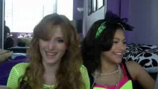 (shakeitupbr.com) Live chat, Bella Thorne and Zendaya [08-13-12] - Part 2
