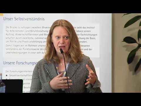 """Wissenschaft trifft Praxis """"Digitalisierung"""": Keynote Dr. Britta Matthes"""