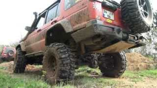 Land Rover Discovery vs Jeep offroad [HD]
