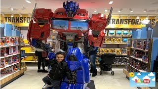 Kids Transformer Toy Review FAO Schwarz|New York City Christmas 2018! Kids fun!