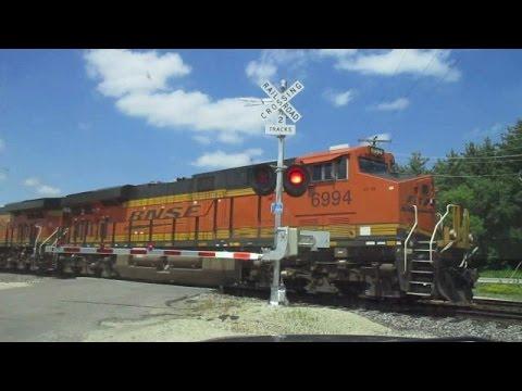 BNSF 6994 East Loaded Oil Train Nice Horn Display (6-24-2016)