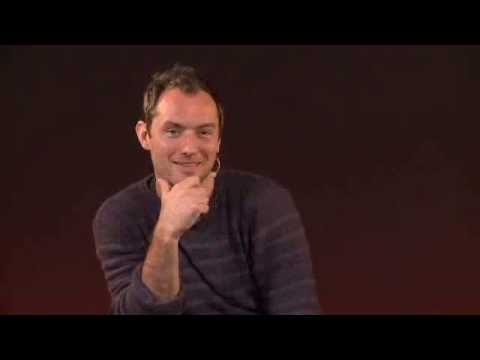 Apple store: Jude Law talks about Robert Downey Jr.