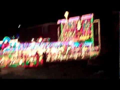 Extreme Christmas Lights - Toronto, ON.MP4
