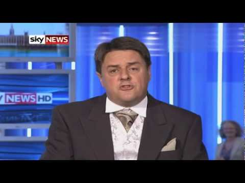 BNP Nick Griffin banned and barred from Queens garden party