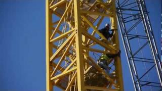 Erecting the tower crane at K2 at K Station