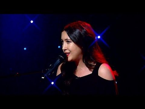 Vanessa Carlton performs Willows live