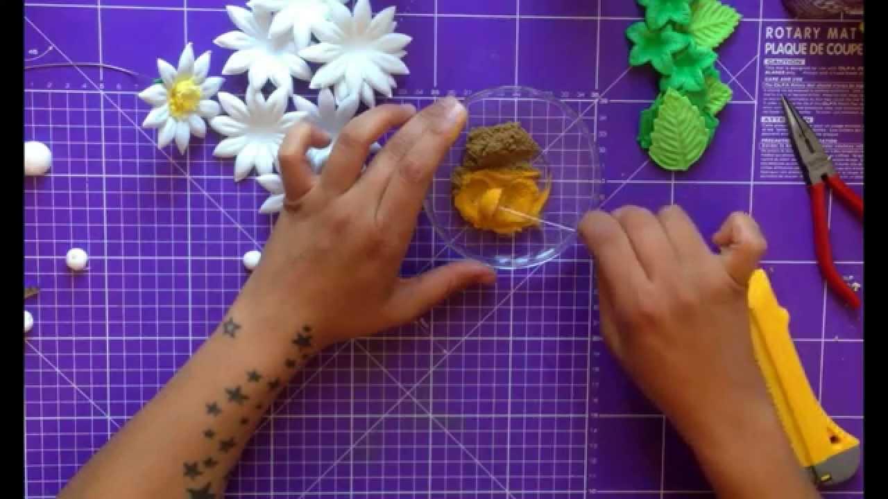 Como hacer flores con goma eva margaritas girasoles y crisantemos youtube - Flores sencillas de goma eva ...