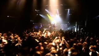 Arch Enemy - 5.Dead Bury Their Dead Live in London 2004 (Live Apocalypse DVD)