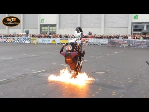 Rok Bagoro - KTM stunt rider | Duke 690 | Intermot 2012