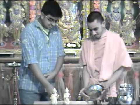 Bolton Temple 39th Patotsav 2012 - Day 4 - Abhishek Morning Katha - Shreemad Satsangi Jeevan