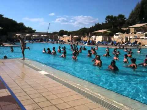 Aquagym fitness piscine au club med kamarina sicile youtube for Club fitness piscine